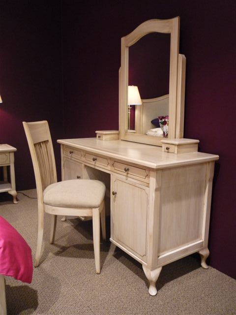 Hospitality Room Furniture Marseille 7 Pinhole Dressing Table w mirror, in room setting